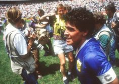3_patas : Maradona, Napoli > (1984-91 =188m/81 goals) Diego Maradona y Neymar cuando uno de los dos no era tan conocido : Imágenes Neymar, Diego Armando, Couple Photos, Couples, 1984, Sevilla, Buenos Aires Argentina, Sports, Couple Photography