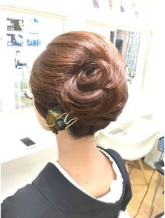 Army hairstyle regulations faux crown braid,feathered hairstyles twists prom hairstyles fishtail,bob cut for ladies pretty bun updos. Feathered Hairstyles, Bun Hairstyles, Wedding Hairstyles, Hairstyle Ideas, Hair Up Styles, Medium Hair Styles, Finger Wave Hair, Hair Arrange, Hair Setting