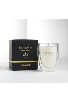 Simply Vera Vera Wang Glass Candle 250G Oriental Gardenia & Honeysuckle 477747 An exotic blend of the orient, the decadent fragrance of oriental Gardenia layered with the ultimate white flower scent of honeysuckle. A Hummingbird's delight.