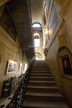 Castle Howard interior | Castle Howard Interior 020 | Flickr - Photo Sharing! House Staircase, Stairs, Beautiful Homes, Beautiful Places, Arundel Castle, Stair Well, Castle Howard, British Home, Ancient Buildings