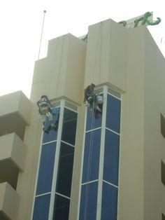andamios colgantes para reformar fachada por ac reformas en palma de mallorca.