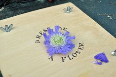 how to make a flower press