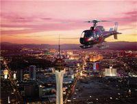 Tour en helicóptero al atardecer por el Strip de Las Vegas y la presa Hoover  Comience esta aventura al anochecer con un traslado en limusina de su hotel de Las Vegas al aeropuerto. Suba a su helicóptero para realizar un vuelo a la caída del sol sobre el lago Mead y la presa Hoover y poder verlos desde una perspectiva única.  http://lasvegasnespanol.com/en-las-vegas/tour-en-helicoptero-al-atardecer-por-el-strip-de-las-vegas-y-la-presa-hoover/
