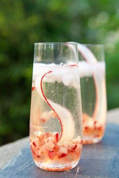 Enjoy an elevated and twist on prosecco – a refreshing Rhubarb Prosecco Sparkler made with spiced rhubarb syrup, vanilla bean, ginger, lime and peppercorn. Cocktail Drinks, Fun Drinks, Yummy Drinks, Cold Drinks, Cocktail Recipes, Alcoholic Drinks, Beverages, Prosecco Cocktails, Smoothies
