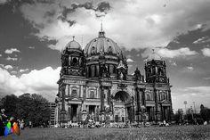 A bela e imponente Berliner Dom ou Catedral de Berlim  é sem dúvidas uma das…
