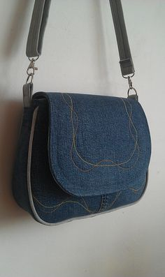 Super Sewing Purses And Bags Shape Ideas Super Sewing Purses And Bags Shape Ideas Denim Bag Patterns, Handbag Patterns, Sewing Patterns, Denim Handbags, Denim Tote Bags, Backpack Pattern, Tote Backpack, Tote Purse, Messenger Bag