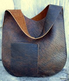 Leather Bag Handmade in Distressed Bison Leather – with Deer Antler – Bonnie Cashin Inspired Simple Chic Boho Bohemian Style by Stacy Leigh Leather Oval Sling Bag in Distressed Bison Leather by Stacy Bonnie Cashin, Leather Pouch, Leather Purses, Leather Handbags, Leather Bags Handmade, Handmade Bags, Leather Craft, Purses And Handbags, Fashion Handbags