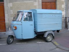 Piaggio Vespacar APE P400V...perfect for a day out shopping