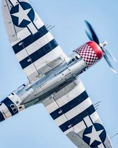 Invasion stripes were alternating black and white bands painted on the fuselages and wings of Allied aircraft during World War II to reduce the chance that they would be attacked by friendly forces. Ww2 Aircraft, Fighter Aircraft, Military Aircraft, Propeller Plane, P 47 Thunderbolt, Airplane Fighter, Nose Art, Air Show, World War Ii