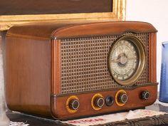 ¿Por qué suenan 6 pitidos cada vez que pasa una hora en todas las emisoras de radio?