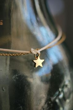 via: casa-simples Baby Blue Aesthetic, Sky Full Of Stars, A Star Is Born, Twinkle Twinkle Little Star, Grey And Gold, Gold Stars, Stargazing, Color Themes, Jewelry Shop