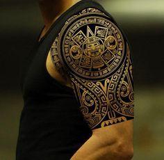 #tattoo aztecki tatuaż na ramieniu