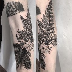 Tattoo designs for women small wrist – Viral Tattoo Life, Botanisches Tattoo, Cover Tattoo, Mini Tattoos, Flower Tattoos, Body Art Tattoos, Sleeve Tattoos, Nature Tattoo Sleeve, Flower Tattoo Designs