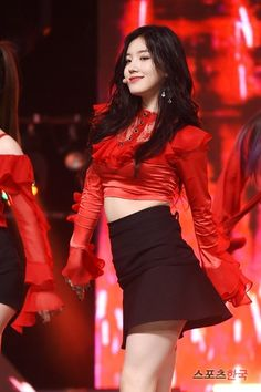 PRISTIN ♡ Xiyeon 시연 • Park SiYeon 박시연 at Show Champion 170517 'Black Widow' special promotions (Vampire Ver. 뱀파이어 Ver.) #띠띠 #퀸시연 #블랙위도우