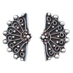 Pre-Owned Sterling Silver Fan Earrings (€180) ❤ liked on Polyvore featuring jewelry, earrings, silver, sterling silver jewelry, sterling silver jewellery, pre owned jewelry, sterling silver screw back earrings and preowned jewelry