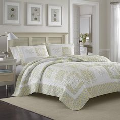 Laura Ashley Elyse Quilt                                                       …