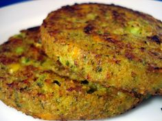 Look, if you're going to be the guy or gal who shows up at the summer cookout with veggie burgers, you might as well show up with good veggie burger! Vegan Foods, Vegan Vegetarian, Vegetarian Recipes, Cooking Recipes, Quick Easy Healthy Meals, Le Chef, Entree Recipes, Greek Recipes, Tofu