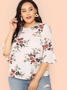 343491e23de Shop Plus Flounce Sleeve Keyhole Back Floral Top online. SheIn offers Plus  Flounce Sleeve Keyhole