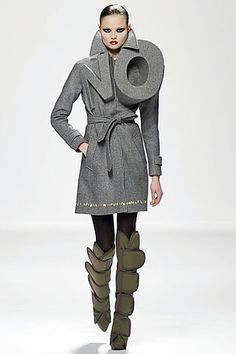 Viktor & Rolf protest for slow fashion