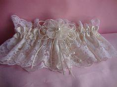 garter lace garter Ivory lace garter Wedding/Prom by Hoalanebridal #weddings #brides #prom