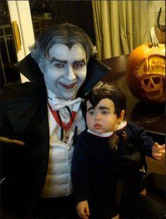 Mini Eddie y abuelo Munster. | 24 Hijos de frikis con los mejores disfraces para Halloween