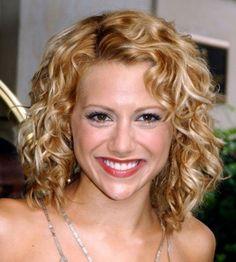Brittany-Murphy-Medium-Hair-Styles-For-Women-Curly-Hair-Styles-2010.jpg (540×600)
