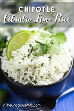 Chipotle Cilantro Lime Rice is the perfect copycat recipe for all Chipotle lovers! With fresh cilantro, bright lime juice, and zesty garlic. White Rice Recipes, Rice Recipes For Dinner, Mexican Food Recipes, Burritos, Rice Dishes, Food Dishes, Rice Bowls, Chipotle Lime Cilantro Rice, Recipes