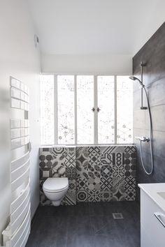 Salle de bain - carreaux ciment - douche italienne / bathroom / Olivier Olindo architecte