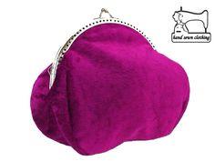 Frauen festlich Handtasche im glamour stil  breite : 18 cm, färbe 1 : Silber, höhe : 15 cm, materialien : metallegierung, offen ist : 12 cm, primärfarbe : fuchsie, stoff 1 : samt, stoff 2 :...