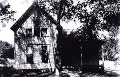 Villisca Murder House- read about some hauntingly creepy houses with violent histories.