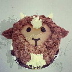 Goat Face Cake - The Girl on the Swing Barnyard Party, Farm Party, Sheep Cake, Bithday Cake, Farm Birthday, Birthday Ideas, Animal Cakes, Zucchini Cake, Savoury Cake