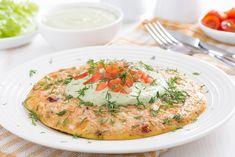 Μια ομελέτα με λαχανικά και γιαούρτι με πολύ λίγες θερμίδες ...