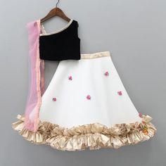 Indian Wear, Ethnic Wear for Girls Girls Frock Design, Kids Frocks Design, Baby Frocks Designs, Baby Dress Design, Stylish Dresses For Girls, Frocks For Girls, Dresses Kids Girl, Designer Dresses For Kids, Kids Dress Wear