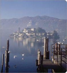 Google Image Result for http://nuke.luxury-bed-and-breakfast-villa-patrizia.com/Portals/0/orta%25202.jpg