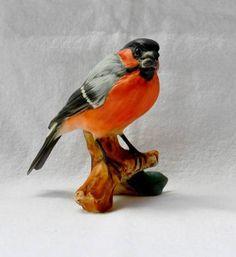KAISER BIRD FIGURINE WEST GERMANY PORCELAIN GERMAN ROBIN