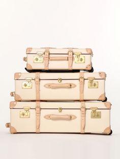 学生の時から愛用のスーツケースがそろそろ寿命なので今度は一生物にとグローブトロッター21inch GET!!