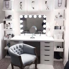 Large DIY Makeup Room Ideas, Organizer, Storage and Decoration ( Room Idea) - Makeup Room Ideas - - Dekoration Ideen - Beauty Room Vanity Room, Teen Vanity, Vanity In Closet, Closet Desk, Girls Vanity, Closet Bedroom, Master Closet, Room Ideas Bedroom, Bedroom Furniture