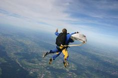 Mein Fallschirmsprung war echt einen tolles Erlebnis. Vielen lieben Dank, an meine Freundin für das wunderschöne Geschenk. Natürlich auch vielen Dank, an meinen Sprunglehrer von Skydive-Nuggets!!!