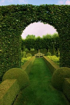 This Pin was discovered by Nancy DeSantis. Discover (and save!) your own Pins on Pinterest. | See more about flowers garden, gardens and formal gardens. ~ Beautiful English Gardens ~