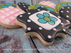 Sweet Creations by Stephanie: Polka Dots & Plaid... using wet-on-wet & edible pen detail