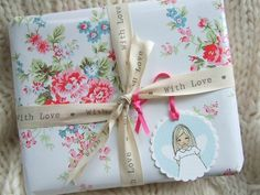 Pretty gift wrapping these would make a great gift gift - manicure in a jar christmas wrapping jingle all the way with bell Cath Kidston Wrapping Paper, Vintage Wrapping Paper, Paper Packaging, Pretty Packaging, Gift Packaging, Craft Gifts, Diy Gifts, Handmade Gifts, Wrapping Gift