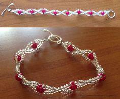 Tante piccole idee realizzate: Bracciale con rocailles trasparenti e perle fucsia.