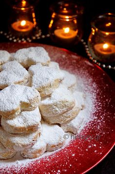 Kitchen Stories: Kourabiedes Easy and Delicious Greek Sweets, Greek Desserts, Greek Recipes, Greek Cookies, Almond Cookies, Christmas Dishes, Christmas Sweets, Greek Christmas, Biscuit Cookies