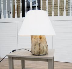 DIY painted rug from cheap ikea rug and DIY tree stump lamp. Tree Stump Decor, Tree Stumps, Diy Luz, Diy Luminaire, Made Coffee Table, Stump Table, Diy Light Fixtures, Log Home Decorating, Decorating Ideas