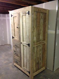 DIY Pallet Cabinet for Storage | 101 Pallets