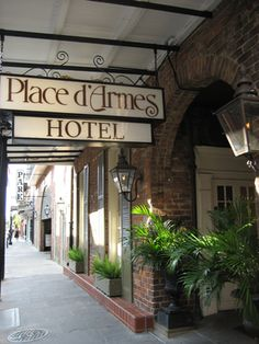Place d'Armes Hotel. Interview your vampire here! stay, place d'armes hotel, place darm, jazzfestgreat locat, travelsfavorit place, darm hotel