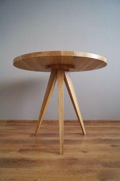 "Stół ""Just Oak 3"" od Pracownia EMBE Oak Table, Dining Table, Grey Socks, Coffe Table, Scandinavian Design, Sideboard, Wood Furniture, Stool, Side Tables"