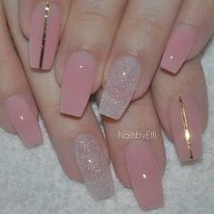 50 Sweet Pink Nail Design Ideas for a Manicure That Suits Exactly What You Need Want a fun summer manicure but think pink nail designs aren't your thing? Miss Nail Addict, listen up. Pink isn't what you remember from your very first manicure. Pink Nail Designs, Simple Nail Art Designs, Easy Nail Art, Acrylic Nail Designs, Nails Design, Clear Nails With Design, Pink Clear Nails, Clear Nail Designs, Nail Pink