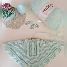 Newborn Crochet Patterns, Easy Knitting Patterns, Knitting For Kids, Baby Patterns, Baby Knitting, Knitted Baby Boots, Knitted Baby Blankets, Diy Crafts Crochet, Craft Free
