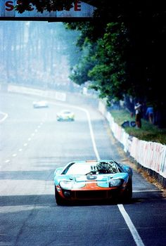 Ford GT40 Gulf @ 1969 Le Mans 24H #FordGT